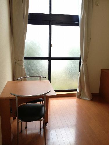 レオパレスコンプリートN 207号室のリビング