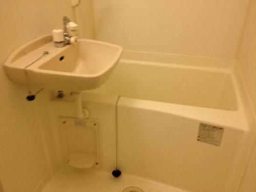 レオパレスコンプリートN 207号室の風呂