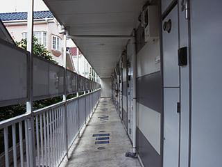 レオパレスサンブリッジⅣ 304号室のエントランス