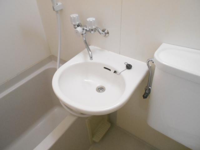 エーム 101号室の洗面所