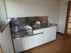 第二福田ハイツ 101号室のキッチン