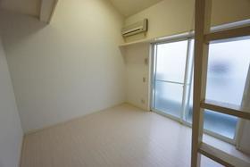 西川口コスモスパートⅠ 202号室のリビング