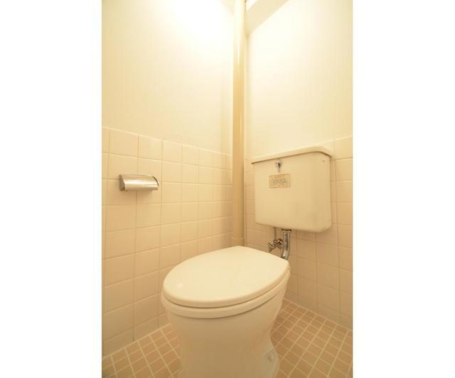 第1秋山エンタービル 401号室のトイレ