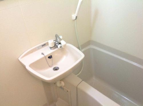 レオパレスフォレスト矢口 302号室の風呂