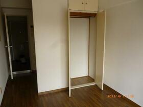 メゾンドエトレーヌ 405号室のベッドルーム