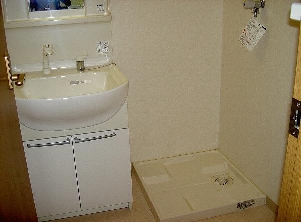 ジェイ・ジルーC 102号室の洗面所