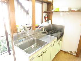 ハイツ中山 201号室のキッチン
