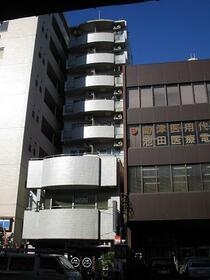 ドミナス横浜の外観