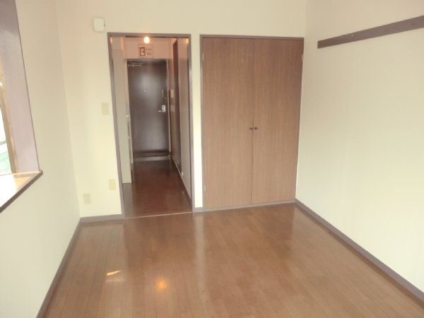 サンライズベル 305号室のリビング
