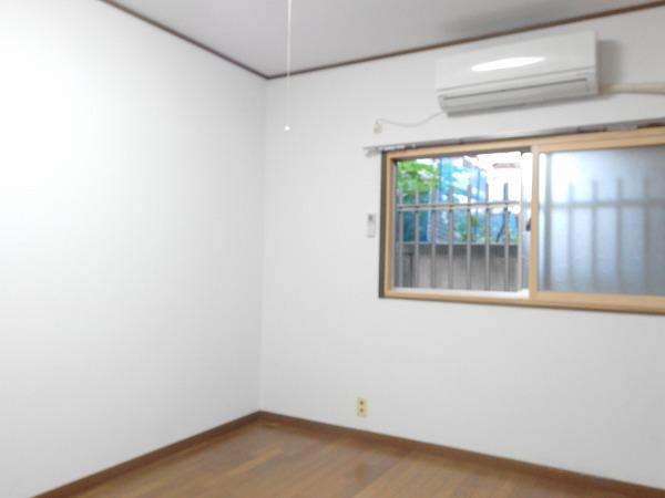 藤荘 1-A号室のリビング