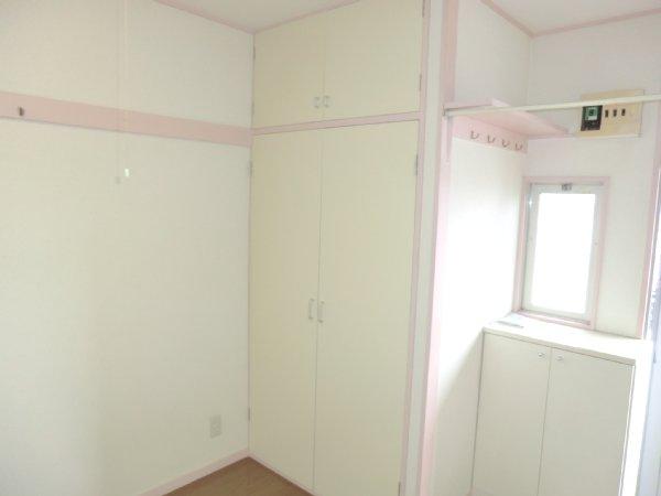 ゴールドパーク 204号室の収納