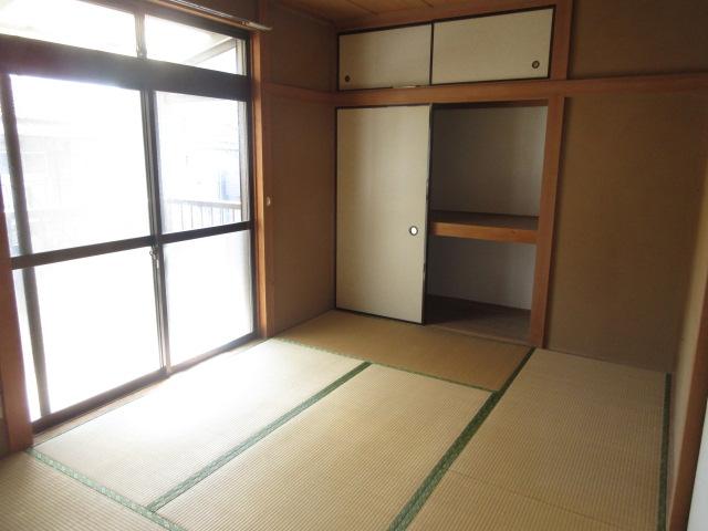 小菊荘 2F号室のベッドルーム