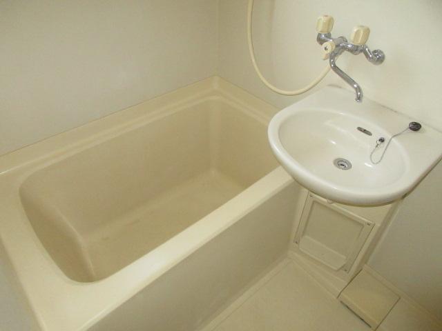 小菊荘 2F号室の風呂