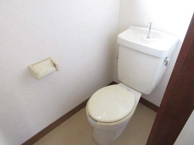小菊荘 2F号室のトイレ