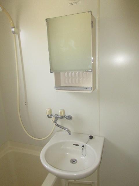 小菊荘 2F号室の洗面所