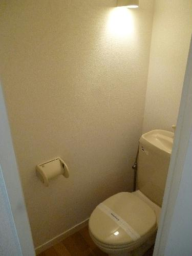 レオパレスベガ 206号室のトイレ