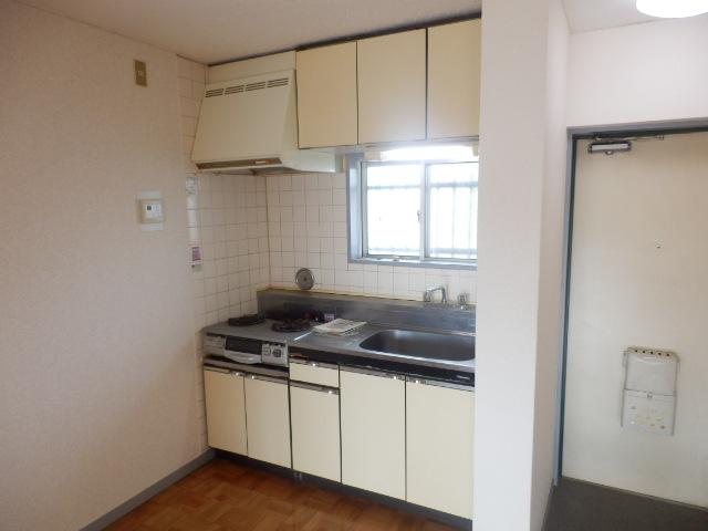 美野和パークタウン 102号室のキッチン