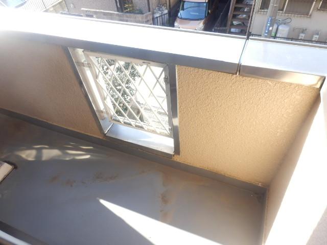 サンライズ高柳マンション 203号室のバルコニー
