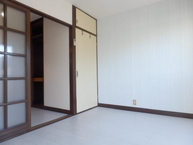 サンライズ高柳マンション 203号室のリビング