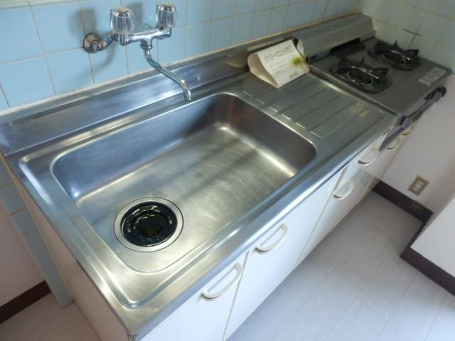 サンライズ高柳マンション 203号室のキッチン
