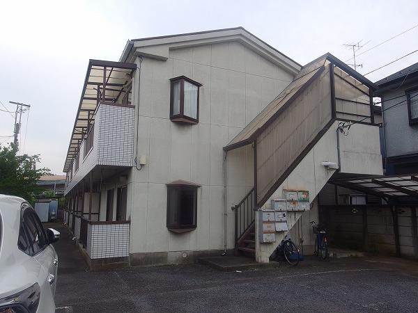 コーポ川村の外観