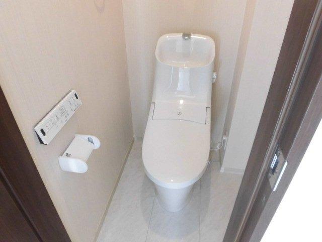 ウィステリアハイツ国立 202号室のトイレ