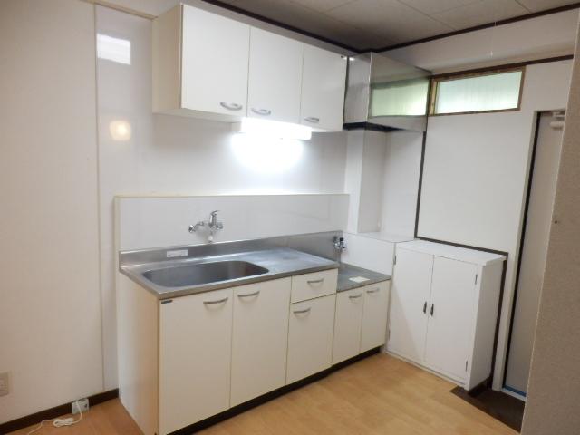 グリーンハイツ国立 105号室のキッチン