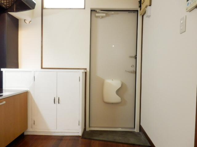 グリーンハイツ国立 105号室の玄関