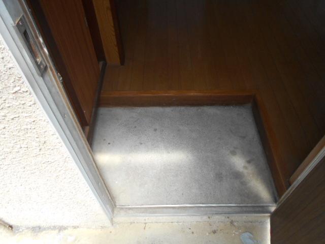 コーポ司 201号室の玄関