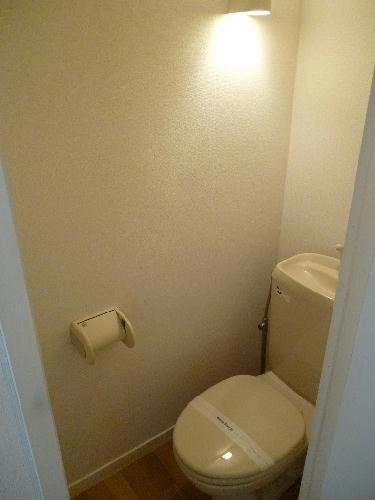 レオパレスベガ 204号室のトイレ