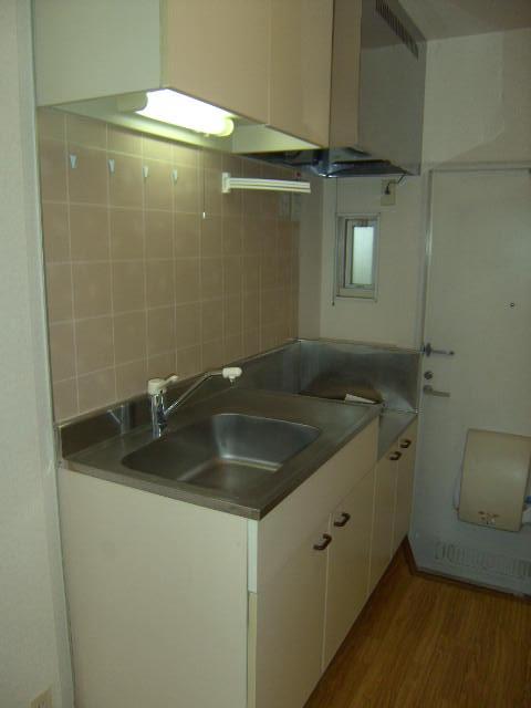 メゾン森の木 B101号室のキッチン
