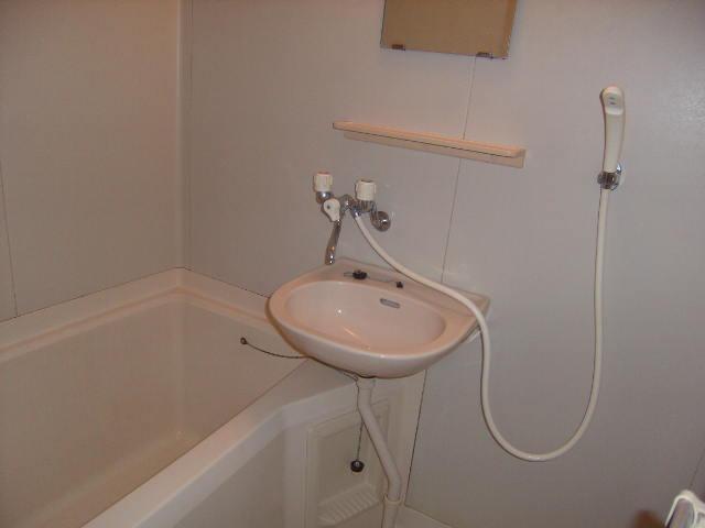 メゾン森の木 B101号室の風呂