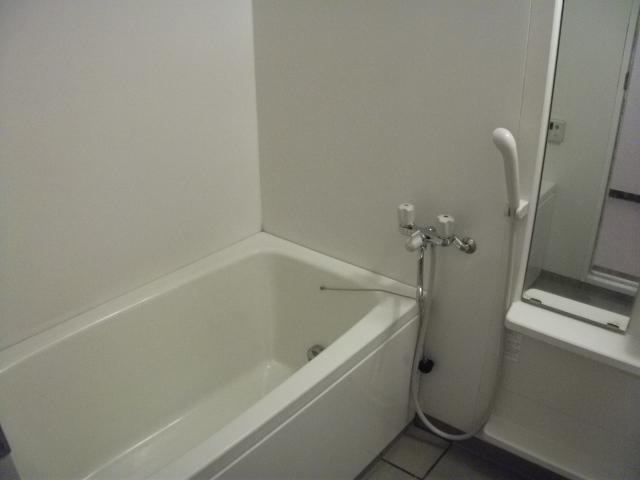 グラン・シャリオ立川 302号室の風呂