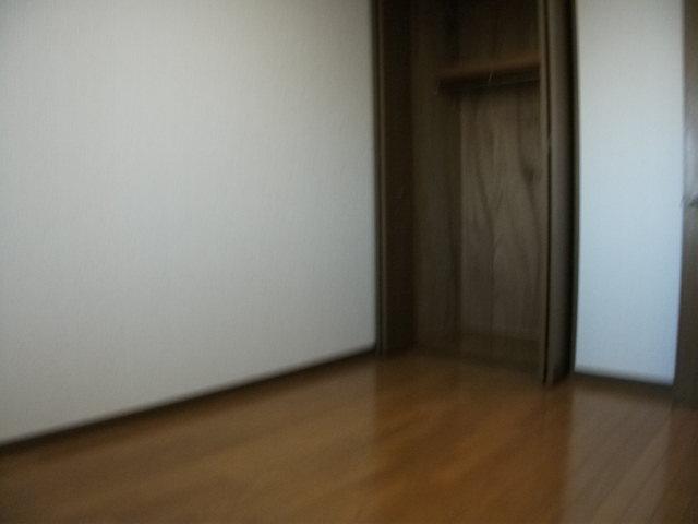 グラン・シャリオ立川 302号室の居室