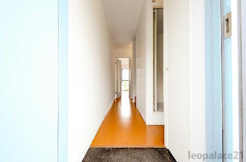レオパレスブラウンブレッド 110号室のリビング