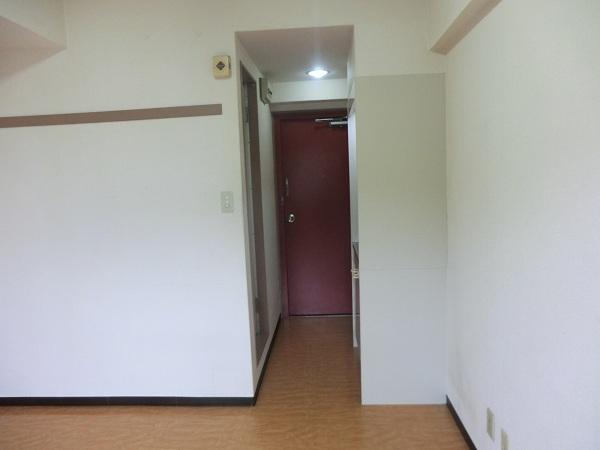 日吉カレッジハウス 411号室のリビング