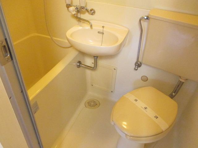 リバティー88 105号室の洗面所