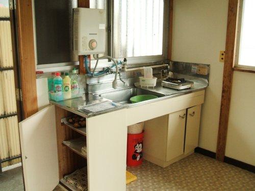 桃山荘 208号室のキッチン