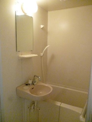 レオパレスベガ 205号室の風呂