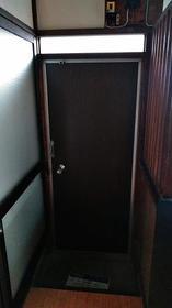 さつき荘 0201号室の玄関