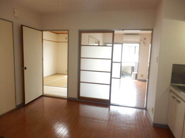 ビューハイツ司 203号室のキッチン
