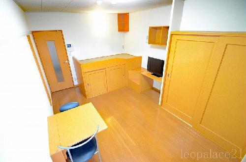 レオパレスセリオ国立 304号室のベッドルーム