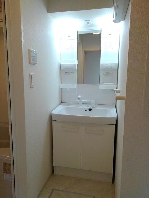 シャン ラフレシール 03010号室の風呂