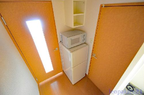 レオパレスシャトルNOJIMA 206号室のリビング