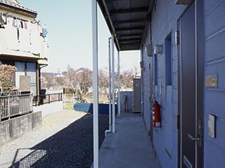 レオパレスSAYAMA 102号室の玄関