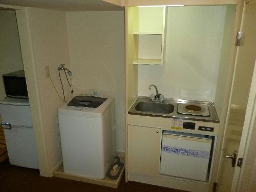 レオパレスSAYAMA 102号室のキッチン