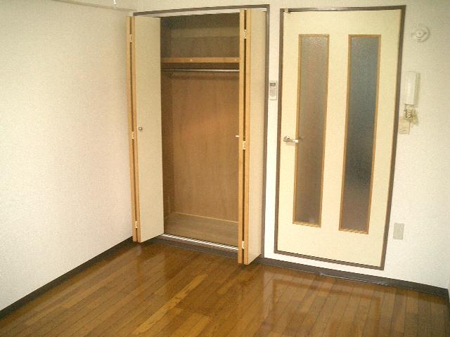 ガーデンヒルズ立川 203号室の収納