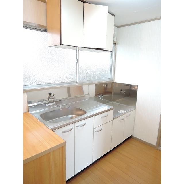 青梅第二プラザ 302号室のキッチン