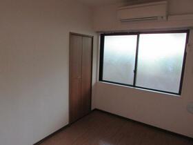 メゾン・ドゥ・ラポート羽村Ⅱ 105号室の居室