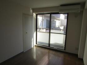 メゾン・ドゥ・ラポート羽村Ⅱ 203号室の居室